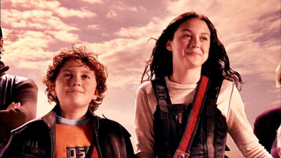 This is what Spy Kids Juni and Carmen Cortez look like now ...