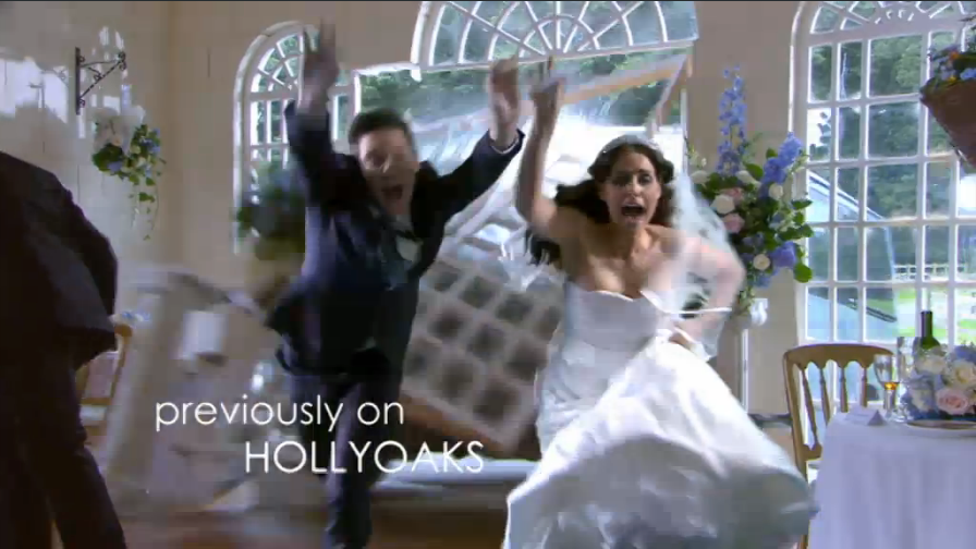 Hollyoaks mercedes and malachy wedding cakes