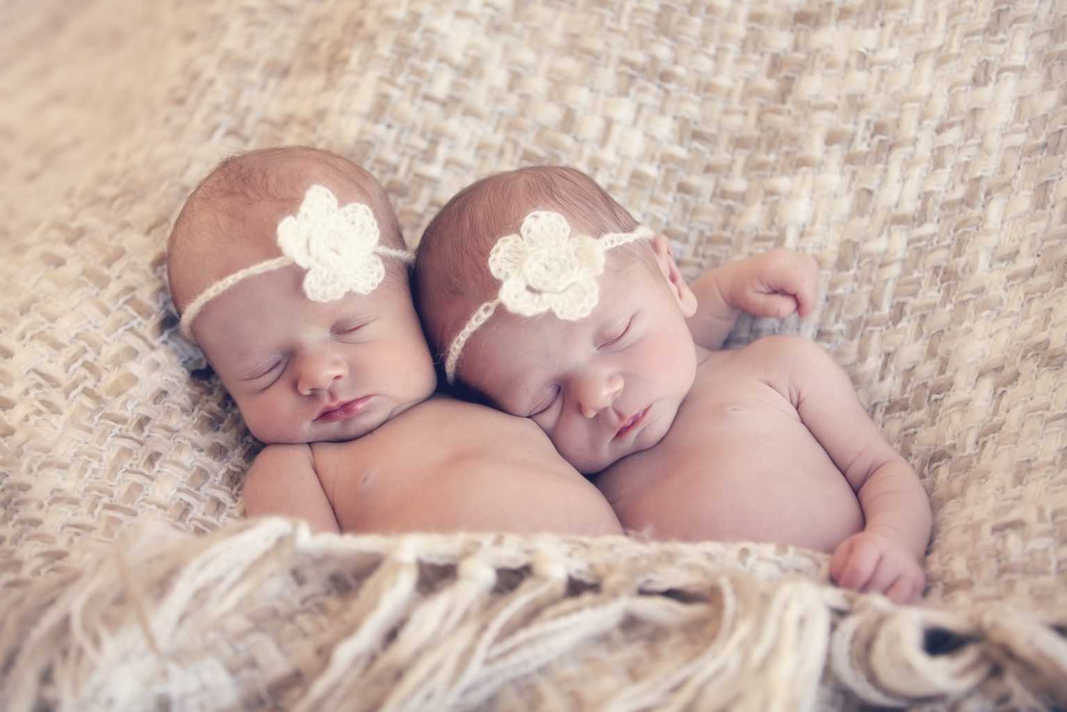 Twin Names 75 Perfectly Matched Names For Girl Twins Boy Twins And
