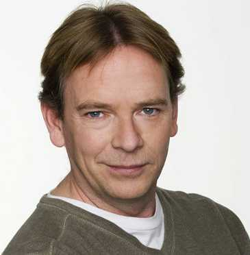 ian beale - photo #5