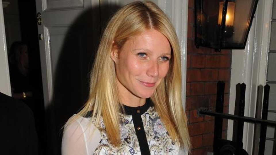 Gwyneth Paltrows Relationship Advice Revealed Just Give -5517