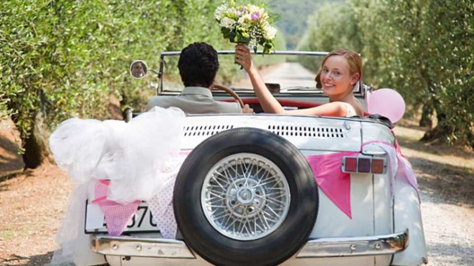 30 Money Saving Tips: How To Have An Amazing Wedding