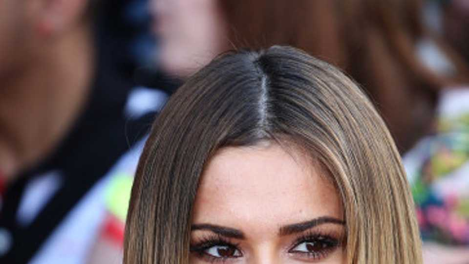 Straight Down The Middle Work A Centre Parting Like The A Listers