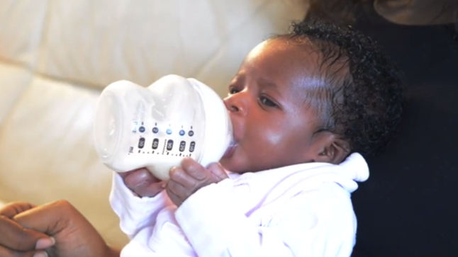 Watch Amazing Baby Learns To Feed Herself At 3 Days Old