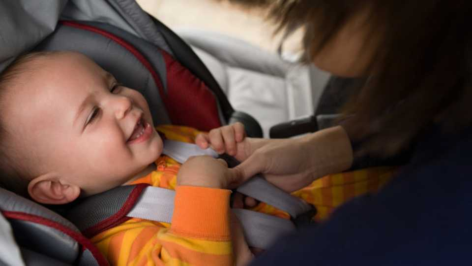Baby Expert Under Fire After Advising Parents To Swaddle Babies In Car Seats This Is NOT Safe