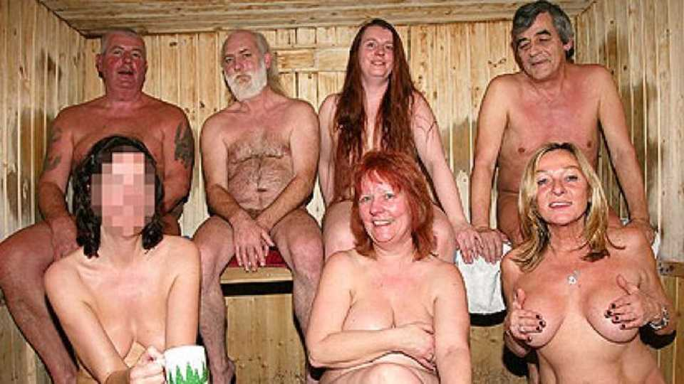 Online nudist groups