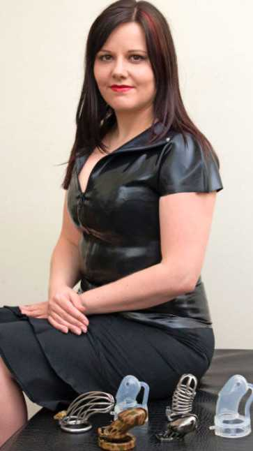 50 Shades Girlfriend Reveals I Lock Up My Lovers Willy -1379