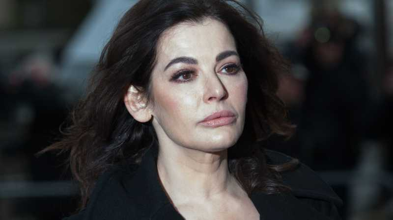 nigella lawson drug scandal Nigella lawson is one of the most famous tv chefs and has made millions from books, cookware and endorsements she was also married to charles saatchi and was caught up in a cocaine scandalhere's everything you need to know about her.