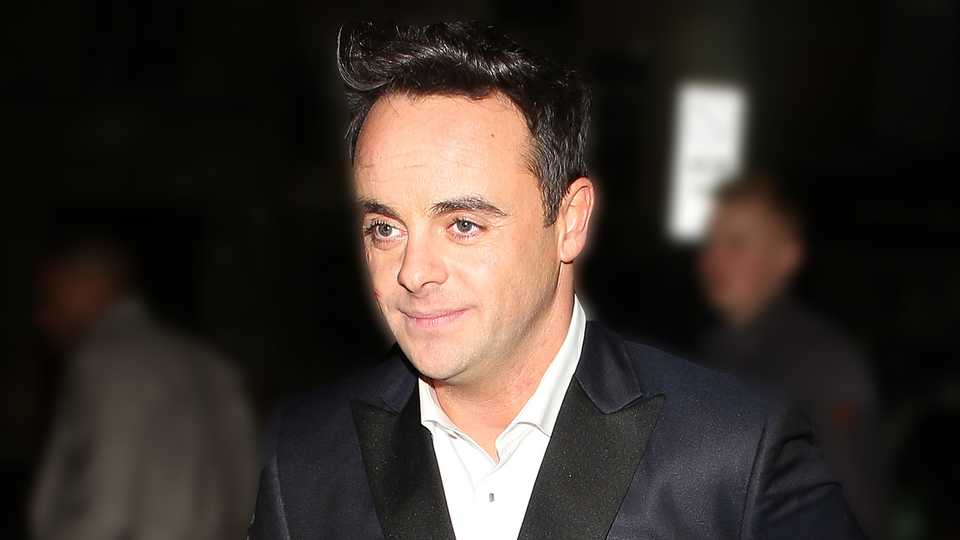 is ant mcpartlin spending christmas alone closer