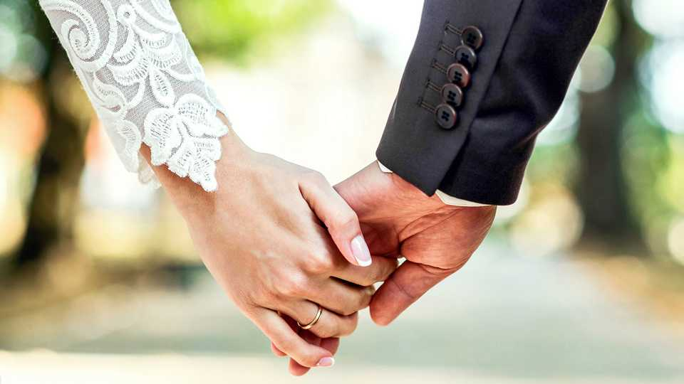 REVEALED: The Best Age To Get Married If You Don't Want To
