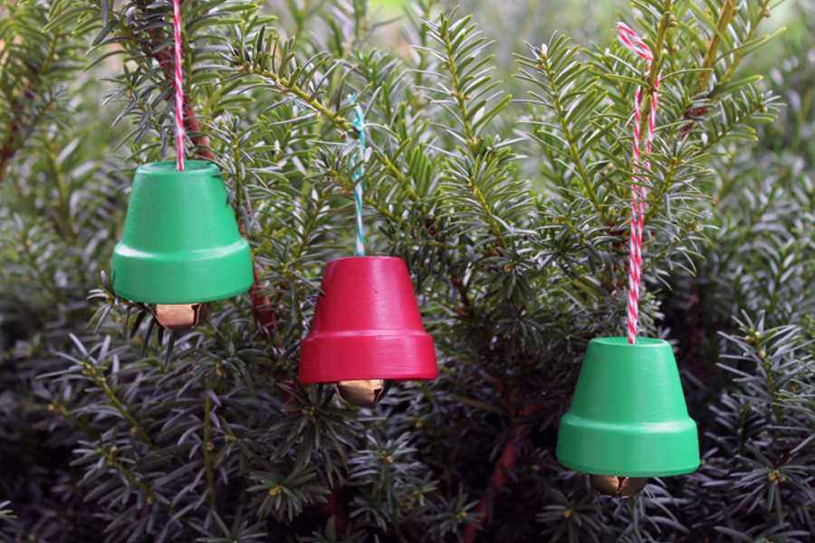 christmas diy decor festive garden tools