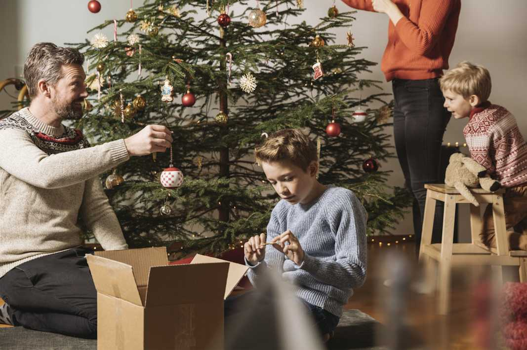 Heres How To Make The Perfect Christmas Eve Box Closer