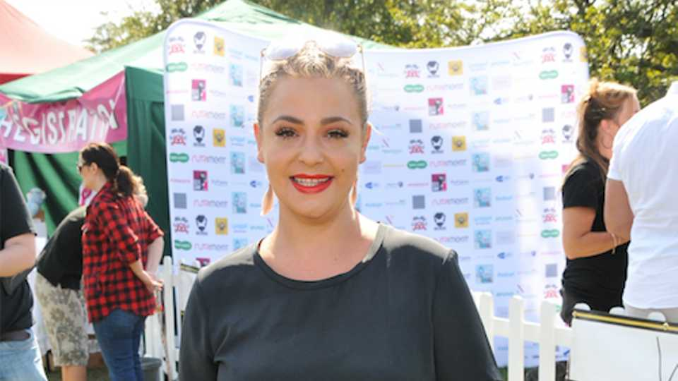 Lisa Armstrong unveils incredible BLUE hair in wake of Ant McPartlin divorce proceedings